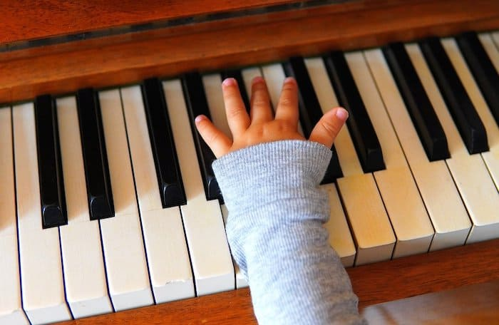 self taught piano learning