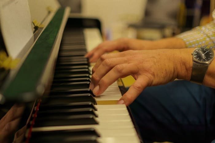 piano fingering start best conditions